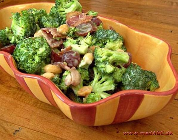 broccolisalat bacon