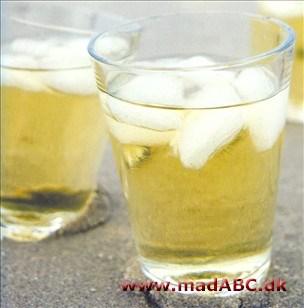 hyldeblomst med hvidvin
