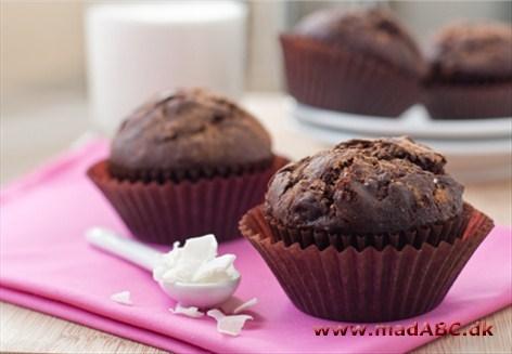 muffins med chokoladestykker og kokos