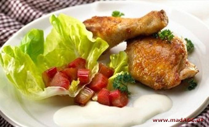Grydestegt kylling med rabarber