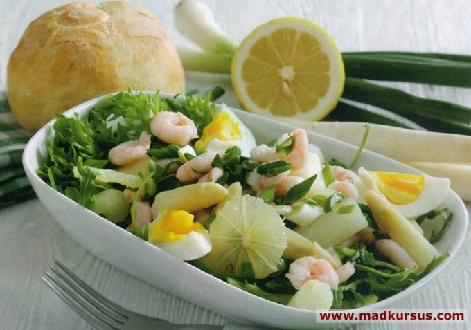 Salat Med Rejer Og Asparges
