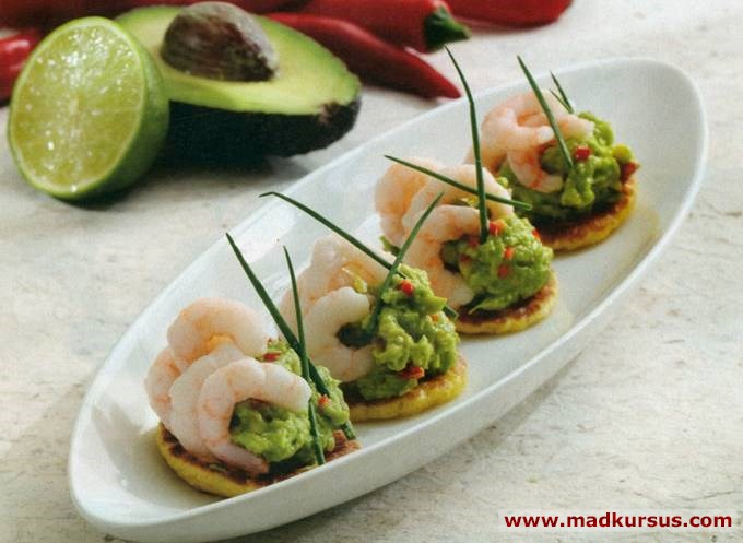 Blinis med avocado og rejer